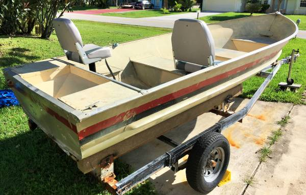 Photo 1539 Meyers aluminum Jon boat, V-hull, seats and trailer - $1,000 (PSL)