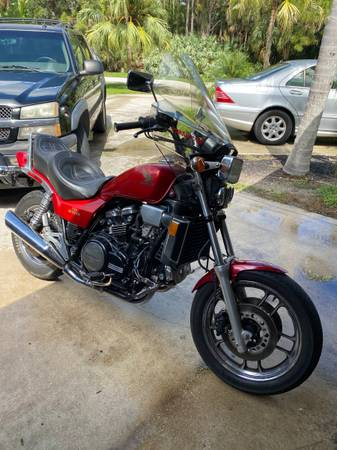 Photo 1985 Honda Magna V65 1100 cc - $3,250 (Jensen Beach)