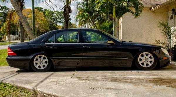 Photo 2000 MERCEDES-BENZ S500 V8 BLACK GREAT LOOKING CAR -NEEDS SOME REPAIRS - $2000 (PORT ST LUCE)