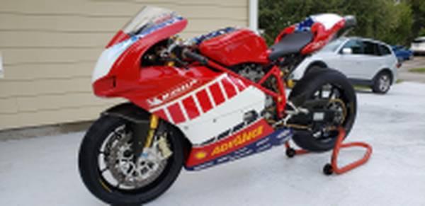 Photo 2005 Ducati 749R Race Showroom Cond - $12,500 (Vero Beach)