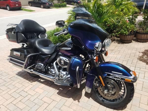 Photo 2010 Harley Davidson Ultra Limited - $11,900 (Stuart)