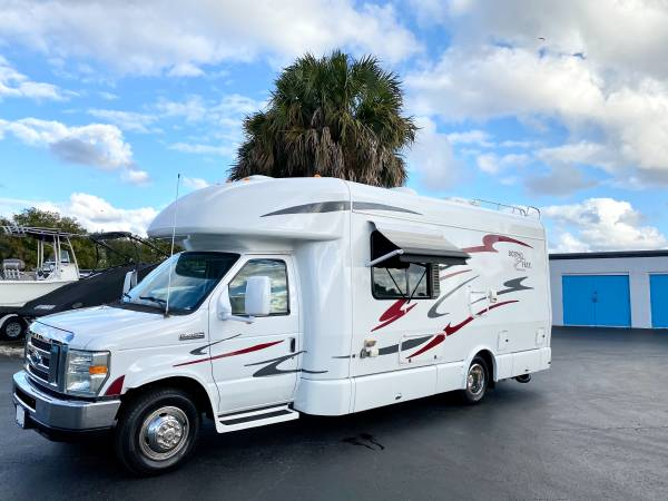 Photo 2011 BORN FREE CLASS B PLUS 30,000 MILES MOTORHOME IS LIKE NEW - $36,000 (Wellington fl)