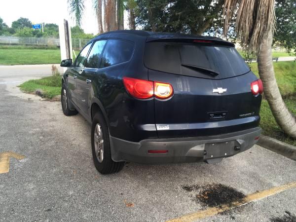 Photo 2011 Chevy traverse - $1,200 (Psl)