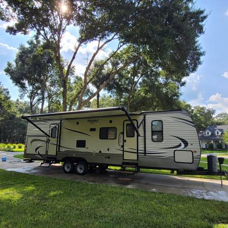 Photo 2016 Keystone Hideout 31RBDS  Like New 1 Owner  lt 30 nights used  - $22,500