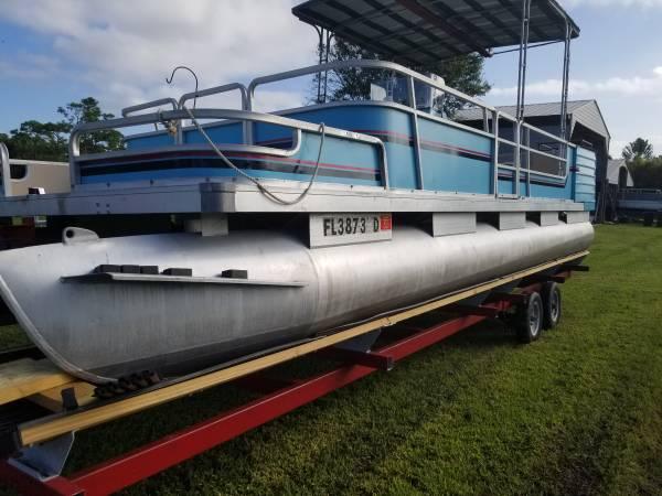 Photo 24 foot pontoon boat - $7,000 (Palm City)