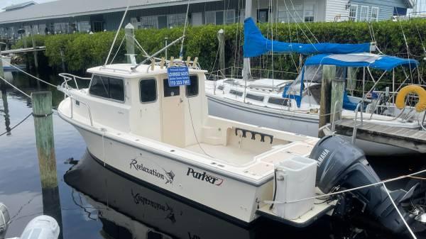 Photo 2520 Parker Sport Cabin fishingdiving machine. - $47,500 (Ft Pierce)