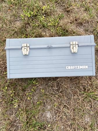Photo Craftsman 19 plastic tool box - $15 (Port Saint Lucie)