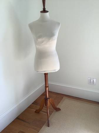 Photo Female Mannequin Body Dress Form - $40 (Vero Beach)