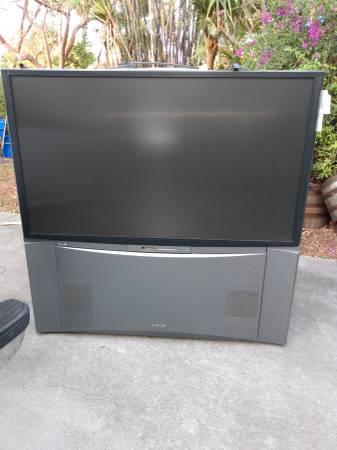 Photo Free Hitachi big screen TV (vero beach)