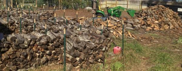 Photo Fully Seasoned Split Oak Firewood - $70 (SebastianMicco)