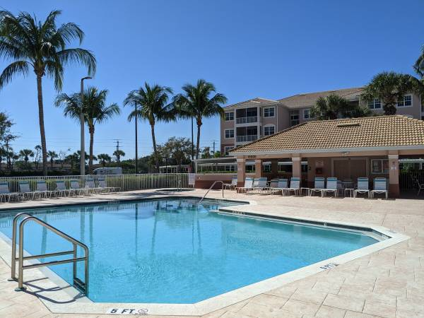Photo Furnished Wi-Fi, cable and water included May-Dec (South Fort Myers (Iona))