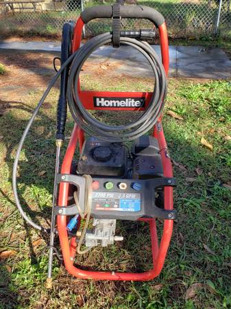 Photo HOMELITE 2700PSI PRESSURE WASHER - $160 (Ft.Pierce)