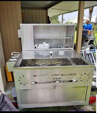Photo Hot dog Cart - $1000 (Fort Pierce)