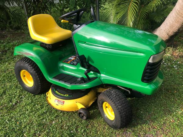 Photo John Deere LT155 Riding Mower, 42 deck, delivery available - $700 (Port St Lucie)