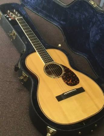 Photo Larrivee Parlor P-03 Acoustic Guitar w Hard Shell Case  LR Baggs Pickups - $1,000 (West Palm Beach)