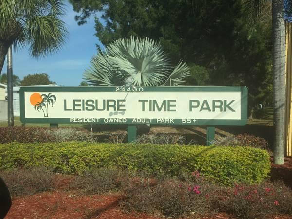 Photo Mobile home in a 55 plus Community (Bonita Springs, FL (SW Florida))