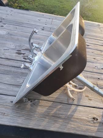Photo Moen Faucet  Stainless Sink - $50 (Jensen Beach)