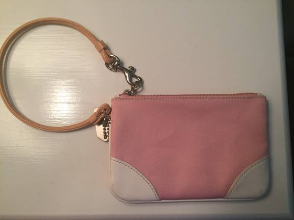 Photo PINK COACH CANVAS WRISTLET WITH LEATHER TRIM - $8 (VERO BEACH)