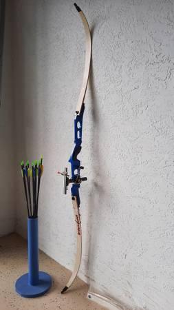 Photo PSE Optima Recurve Bow  Arrows - $60 (Port St Lucie)