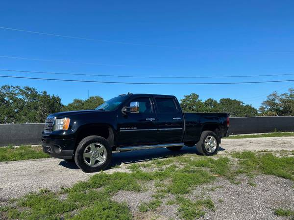 Photo SUPER CLEAN 2011 GMC Denali 3500HD SRW Z71 4x4 DURAMAX DIESEL - $25900 (DIESEL TRUCK SOURCE - We Sell Diesel Trucks)