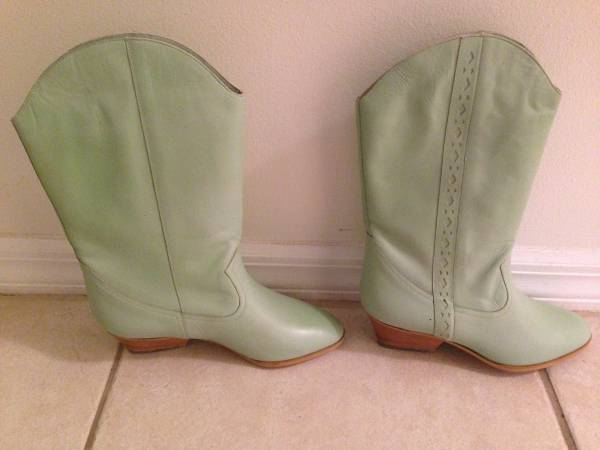 Photo Sandals Size 5, 6 and 8 and Leather Boots --Size 6--Many Colors - $25 (Sebastian)