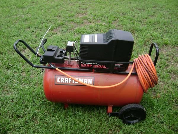 Photo craftsman 5.5hp 30 gal compressor with hose - $145 (port saint lucie)