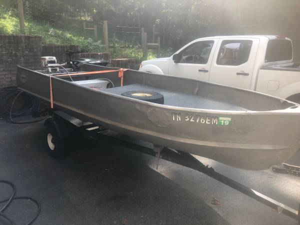 Photo 14 ft Alumacraft aluminum Jon boat - $1000 (Jonesborough)