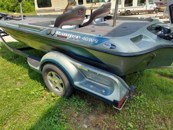 Photo 18 ft ranger boat - $5,500 (Gray)