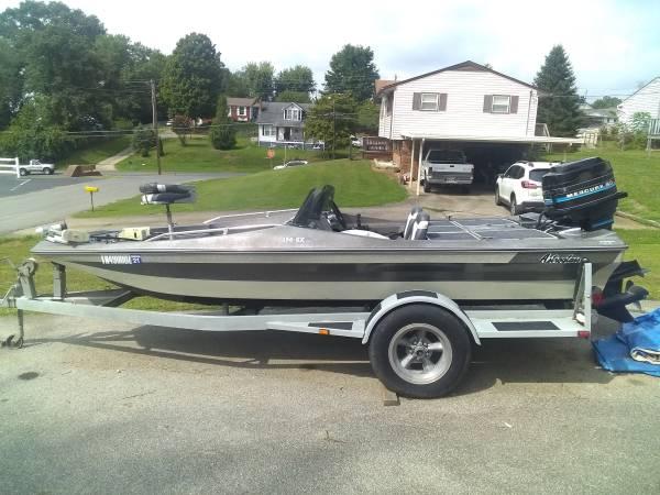Photo 1989 15Ft Astroglass Bass Boat85H.P. Mercury - $3,600 (Church Hill)