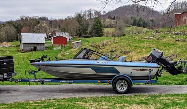 Photo 1991 Javelin 363 FS Fish and Ski Boat - $4500 (Blountville)