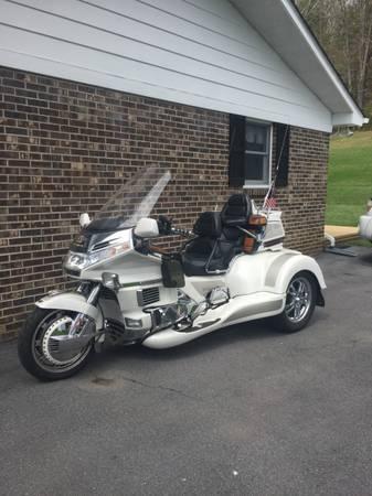 Photo 1996 Honda Goldwing - $21,500 (Mountain City)