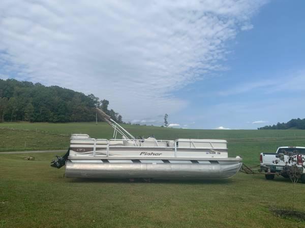 Photo 2001 24 Fisher Freedom Pontoon Boat - $11,000 (Butler)