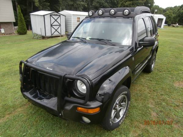 Photo 2004 4X4 JEEP LIBIRTY  3.7 AUTO - $850 (BECKLEY WEST VIRGINIA)