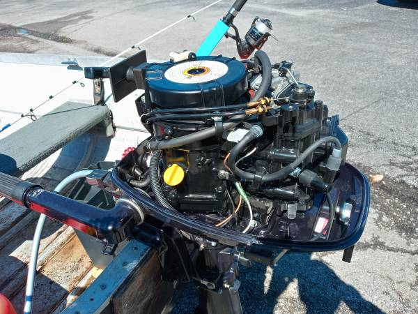 Photo 6hp Nissan boat motor for sale (Harriman)