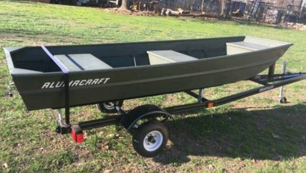 Brand new never used 12 ft Alumacraft Jon Boat - $600 (Unicoi