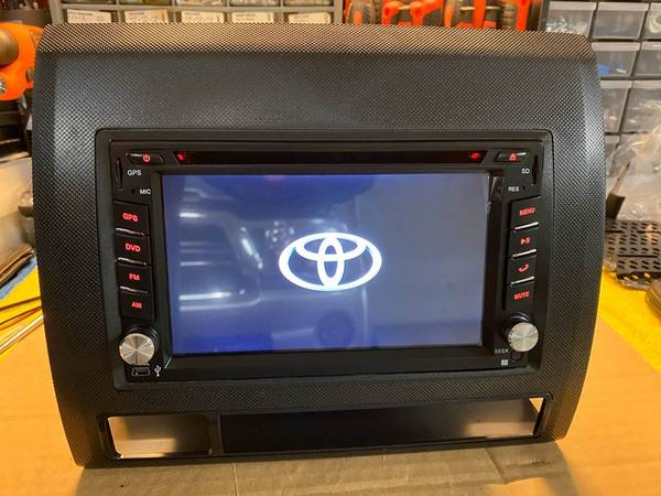 Photo Car Stereo (NEW) w touchscreen fits Toyota Tacoma HANDS FREE TALKING - $275 (Johnson City)