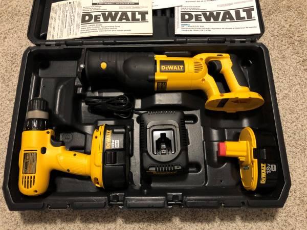 Photo DEWALT 18-Volt XRP Kit Multiple Cordless Tools VERY NICE - $175