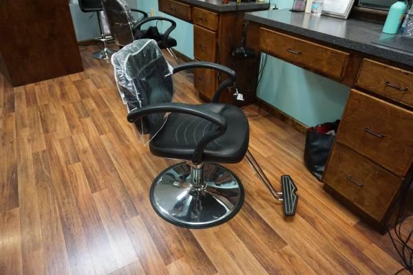 Photo Hair Salon Equipment For Sale - $1 (Johnson CityJonesborough)