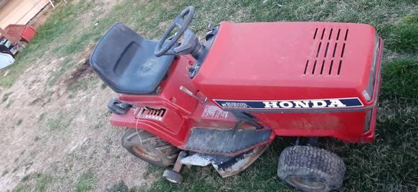 Photo Honda 3810 riding mower - $120 (ELIZABETHTON)