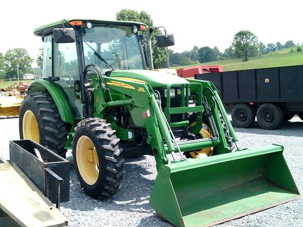 Photo John Deere 5083E Tractor wCab and Front End Loader - $38,900 (Bluff City)