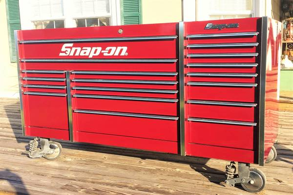 Photo New Snap On 72quot 19-Drawer Triple-Bank Masters Series Roll Cab - $6,000 (elizabethton)