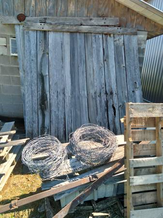 Photo Old sliding barn doors  track - $100 (Chuckey tn)