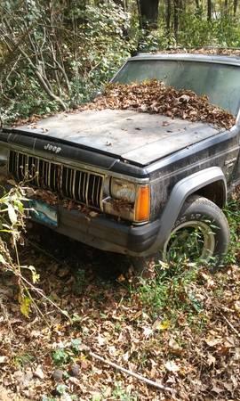 Photo Parts 88  89 Jeep Cherokee - $2000 (Bristol)