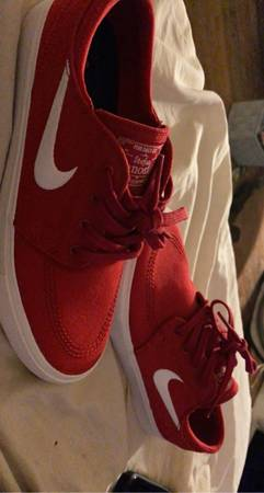Photo Red Nike SB - $50 (Milligan College)