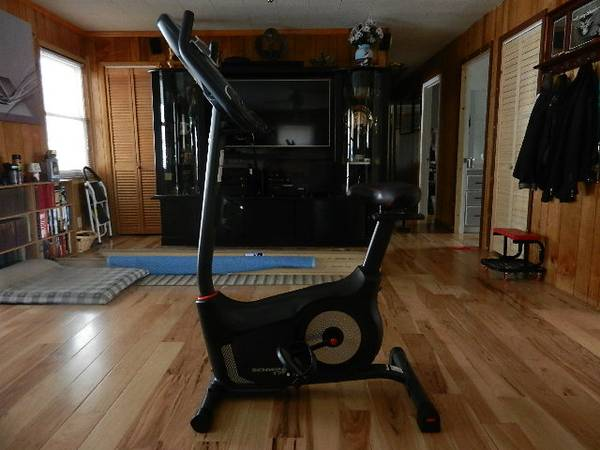 Photo Schwinn Stationary Bike - $250 (Sneedville)