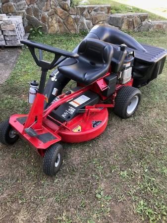 Photo Snapper Riding mower - $1,000 (Greeneville)