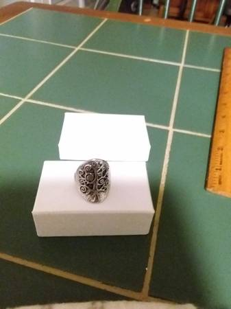 Photo Tree of life ring - $5 (Kingsport)