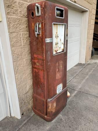Photo Vintage Bowser 575 Fuel Gas Pump - $700 (Rogersville)