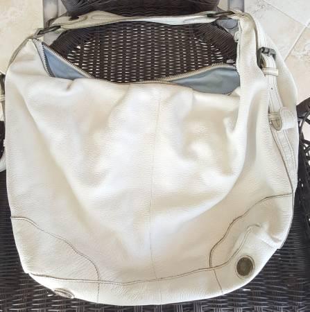 Photo White Medium leather Hobo Bag 1969 Gap Jeans - $35 (SURGOINSVILLE)
