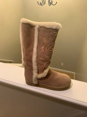 Photo Womens Roxy boots - $25 (Johnson City)